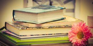 Bücherstapel © Pixabay 2020 / Foto: 9883074