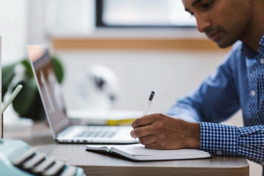 ZeHf – Zeitschrift für empirische Hochschulforschung 1-2021: Test- und notenbasierte Erfolgsprognose im wirtschaftswissenschaftlichen Masterstudium: Befunde aus dem Nationalen Bildungspanel