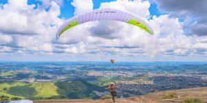 Paragliding © Pixabay 2021 / image: FabricioMacedoPhotos